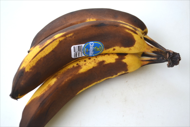 How to Freeze Bananas - Freeze those ripe bananas, it's super easy to do, they'll keep for several months and they can be used in so many delicious recipes.