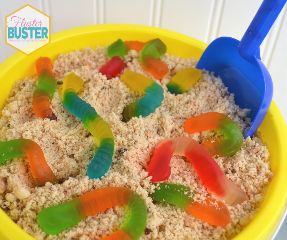 This beach party pudding is the perfect kid friendly recipe. It's super easy to make, there's no baking, and it's really cute. The kids have just as much fun making it as they do eating it.