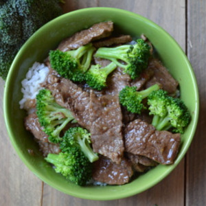 20-Minute Beef Broccoli Bowls