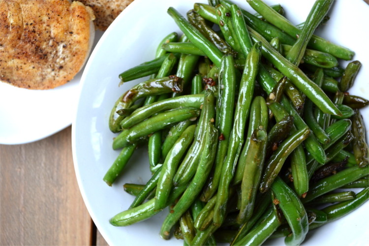 Garlic Green Beans - a simple, snappy, garlicky flavored side dish that makes a delicious addition to your favorite meal.