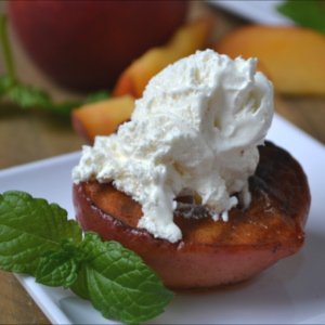 15-Minute Cinnamon Grilled Peaches and Cream