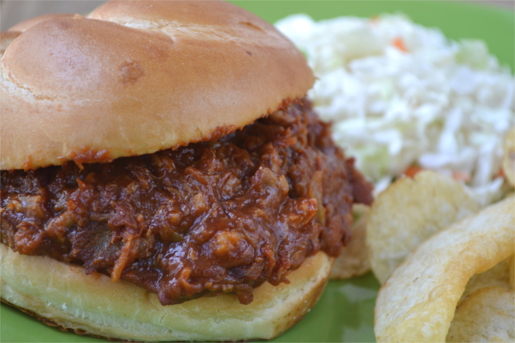 A simple, Instant Pot meal that requires less than 5 minutes of prep time, only a few ingredients and has all of the smokey flavor that you expect from pulled pork.